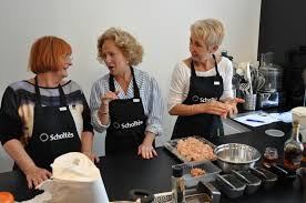 cours de cuisine à deux atelier culinaire macarons cours de cuisine service traiteur mat