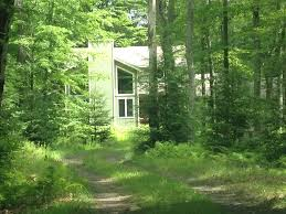 pocono vacation house on 2 acre land sleep 10 minutes to skiing