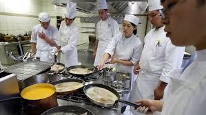 ecoles de cuisine ces grandes écoles qui mettent leurs étudiants aux fourneaux le