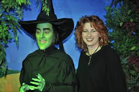wicked witch west costume fascu student sculpts wicked witch of oz for museum sculpture