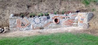 gartenmauer gestalten bilder eine gartenmauer bauen upcycling