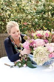 arranging flowers solidaria garden