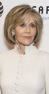 jane fonda 1970 s hairstyle jane fonda glows at grace and frankie premiere hairstyles