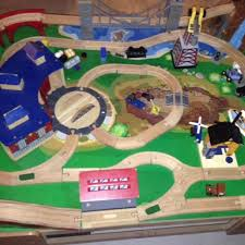 imaginarium classic train table with roundhouse best imaginarium classic train table with roundhouse for sale in