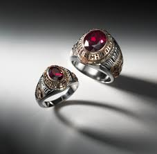 senior rings for high school i would to find my stolen senior class ring memories back