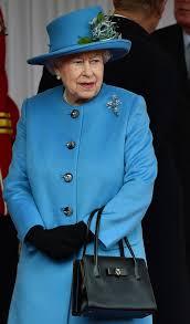 queen handbag queen gets a new handbag the 1 100 dame judi bt