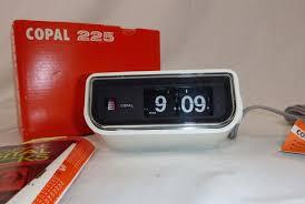 buying guid iconic vintage flip clocks u2022 gear patrol
