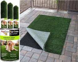 Backyard For Dogs by Best 25 Artificial Grass For Dogs Ideas On Pinterest K9 Grass