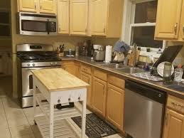 what wall color looks with oak cabinets what wall color goes with yellow tone oak cabinets
