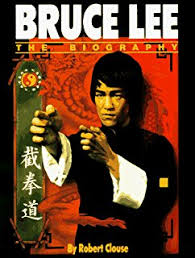 bruce lee biography film amazon com the bruce lee story 9780897501217 linda lee books