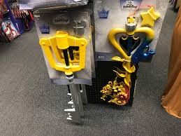 other spirit halloween is selling sora and kairi u0027s keyblades for