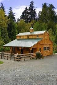 Little Barns Best 25 Small Horse Barns Ideas On Pinterest Saddlery Barn