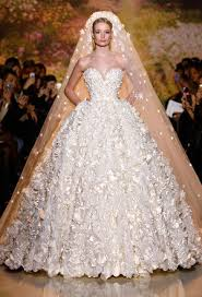 your best wedding dress experts tips on shape and style wedding