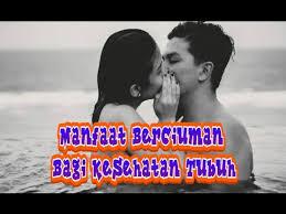 wajib tau bagi suami istri manfaat berciuman bagi kesehatan tubuh