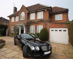 pics for gt pictures of beautiful houses with swimming pools 1 9million luxury six bedroom home called the bentley with a free