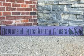 disney halloween haunts dvd diy wood halloween sign tutorial and haunted mansion craft idea