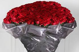 buy roses would you buy a bouquet of 1000 largest roses for 13 000