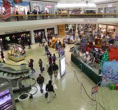 black friday guess black friday shoppers find camaraderie ou news bureau