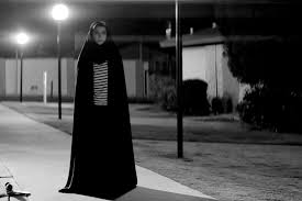 the woman in black movie wallpapers a walks home alone at night movie wallpapers wallpapersin4k net