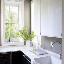 White Lacquer Kitchen Cabinets Taupe Kitchen Walls Design Ideas