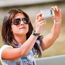 Take A Selfie Lemme Take A Selfie Priyanka Chopra Bollywood Pinterest