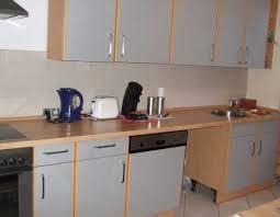 küche einbauen arbeitsplatte küche granit modernes design mit unterbauwaschbecken