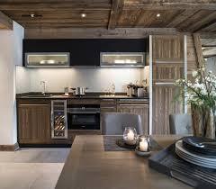 chalet cuisine cuisine contemporaine bois massif chalet cuisine