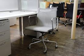 eames aluminum mesh management chair by herman miller