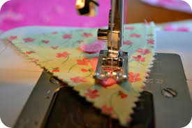 sewing letter templates its sew easy to sew bunting the green dragonfly how to sew bunting