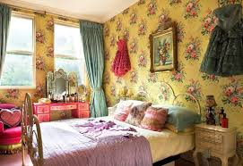 Home Decor Vintage by Bedroom Vintage Home Decor For Bedroom Using Yellow Wallpaper