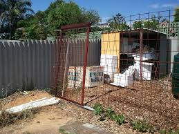 the sliding gate was a separate project which finished the en run it was made
