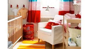 amenager un coin bebe dans la chambre des parents amenagement chambre bebe petit espace idées de design suezl com