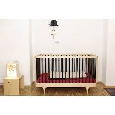 chambre bebe noir lit bebe caravan barreaux noir kalon studios caravan crib lit bebe