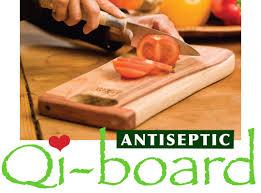 planche à découper cuisine le qi board d amanprana planche à découper en bois idéale