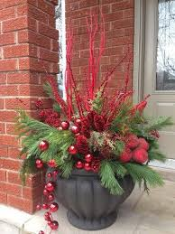 Christmas Decorations For Outside To Make by Best 25 Outdoor Christmas Decorations Ideas On Pinterest