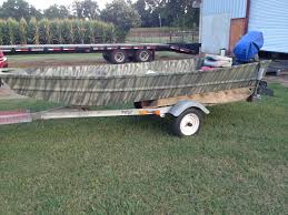 anybody ever camo painted their duck boat or flat boat