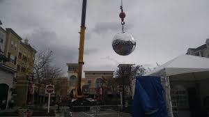 market commons tree lighting ceremony the ball at market common s new year s eve event might look