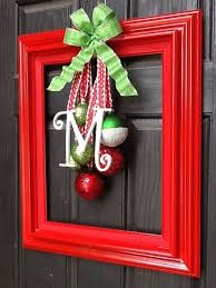 New Year S Front Door Decorations by Best 25 Christmas Door Decorations Ideas On Pinterest Christmas