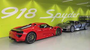 Porsche 918 Red - inside the porsche 918 spyder factory where even the screwdrivers