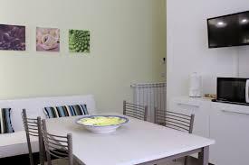Living Room Kitchen Living Room Kitchen Domus Lauri Casa Vacanze A Roma