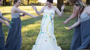 bride trashes gown in badass photoshoot after her fiancé called