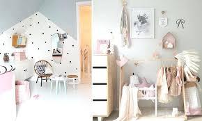 déco originale chambre bébé deco chambre bebe scandinave lit a barreaux tipi et linge de lit