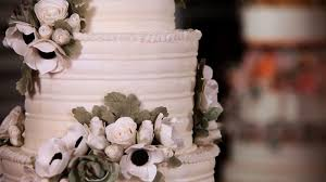 Wedding Cake Flower How To Arrange Sugar Flowers On Cakes Sugar Flowers Youtube