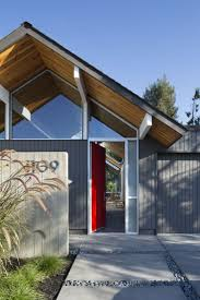 17 best sunnyvale eichler remodel renovation images on pinterest front entry close up sunnyvale eichler home renovated by modern house architects photography by