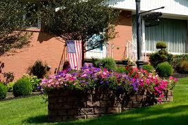 Pot Flag Flower Beautiful Gardens Beautoful Flowers Flower Pot Garden