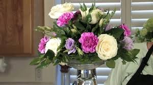 wedding flowers arrangements how to make a wedding flower arrangement tips for finishing a