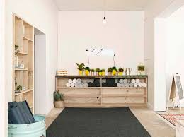 White Walls Home Decor Yoga Studio Decorating Ideas With White Wall Salle Yoga Zen
