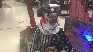 clown costumes spirit halloween spirit halloween halloween animated 2017 tekky design sitting