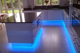 eclairage led sous meuble cuisine clairage led cuisine impressionnant eclairage led cuisine plan