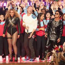 apple martin and chris martin coldplay beyonce bruno mars rock the super bowl 50 halftime show